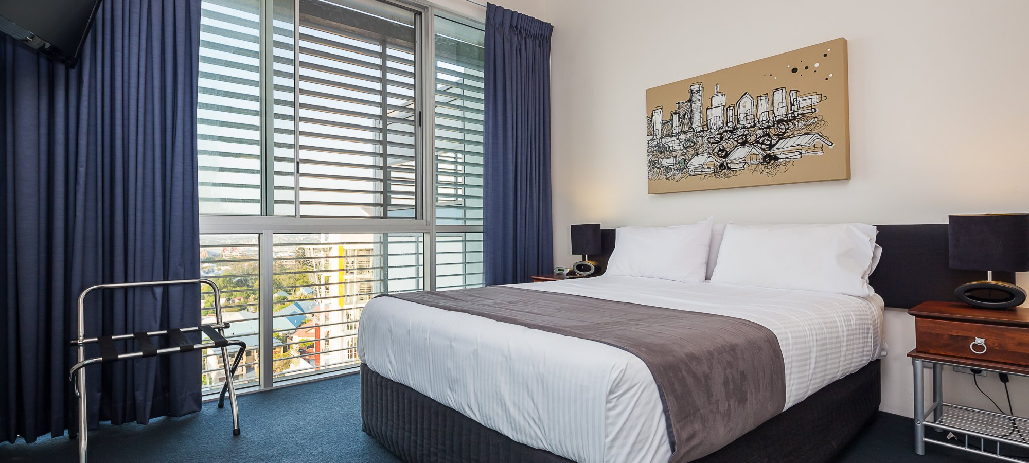 Apartments Accommodation Spring Hill 3 Bedroom Pent House Bedroom